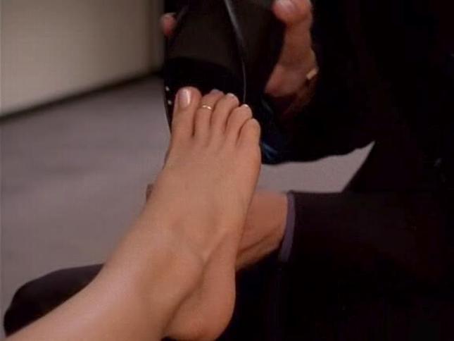 feet Kristin davis legs and