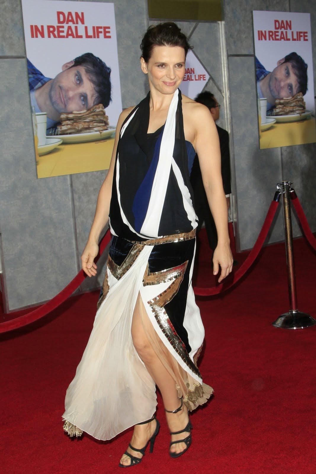 http://3.bp.blogspot.com/_UaLWp72nij4/S-NLdmw_lzI/AAAAAAAAKCA/yvlYQ6BQvx8/s1600/juliette-binoche-feet.jpg