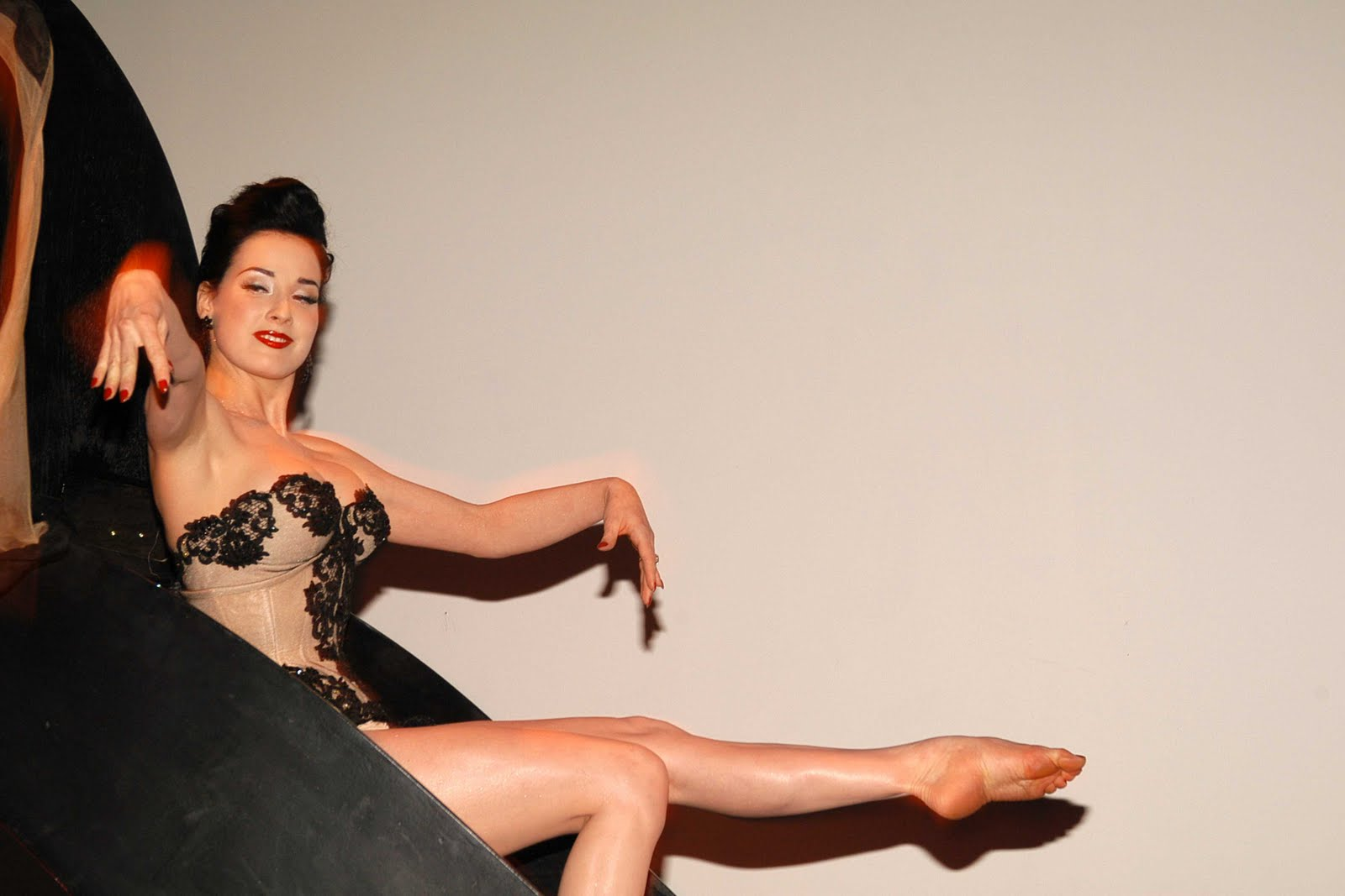 Toes Dita Von Teese Barefoot And Shoes Dita Von Teese Is A Stunningly