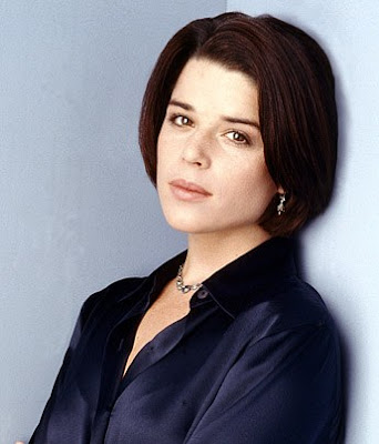 How Tall Is Neve Campbell Height 5 Feet 5 Inches Neve Campbell Is A