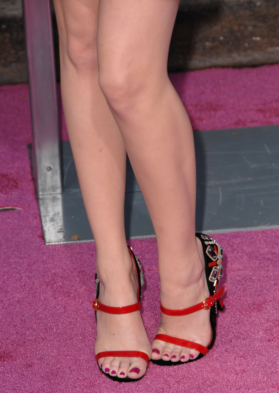 Hot Feet http://www.hollywoodfeet.com/2010/04/emma-stone-feet.html