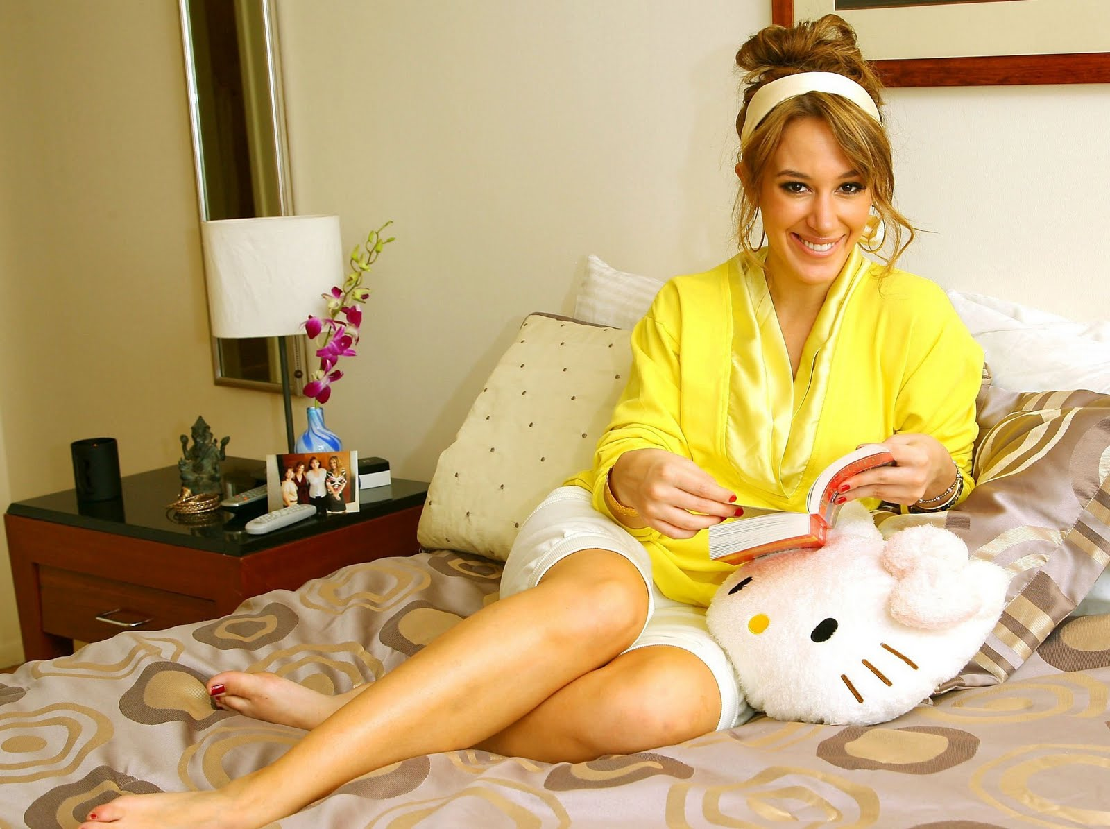 To download the Haylie Duff Wallpaper Hot just Right Click on the ...