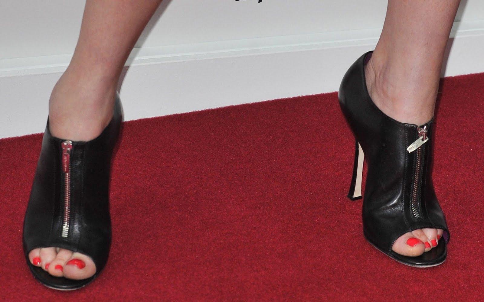 HAlLe Beauty Blog: Gemma Arterton Feet