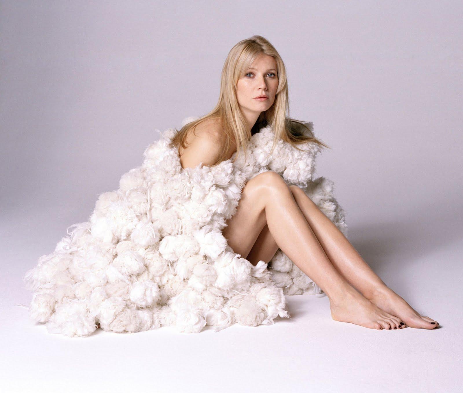 http://3.bp.blogspot.com/_UaLWp72nij4/S8y6hmj6q3I/AAAAAAAAH0Q/ITnZARS55Cg/s1600/gwyneth-paltrow-feet.jpg