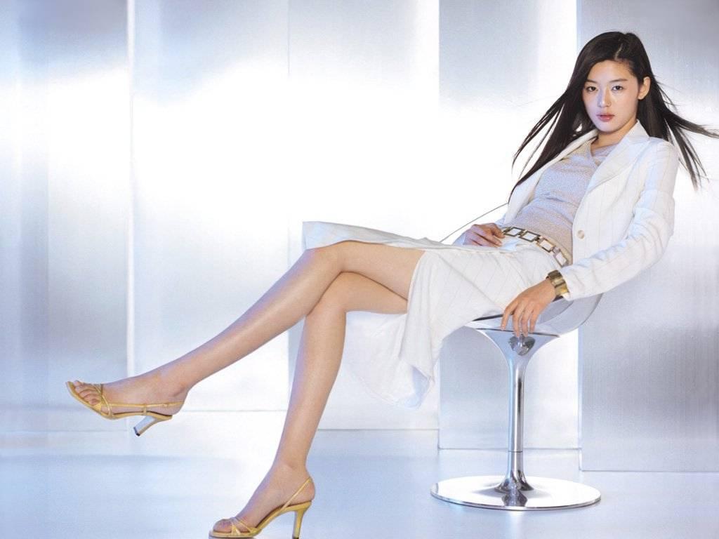Jeon Ji Hyun Feet Celebrity Feet