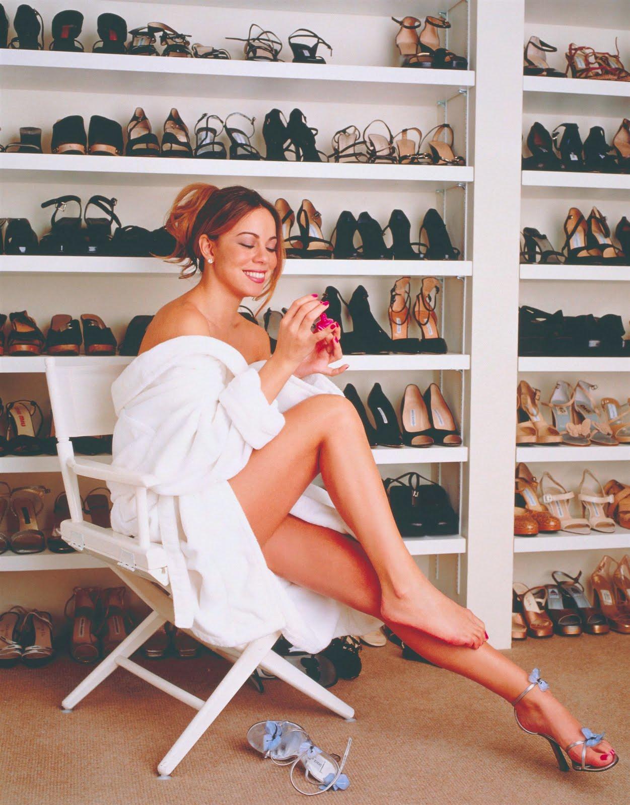 http://3.bp.blogspot.com/_UaLWp72nij4/TAVnyvHpUcI/AAAAAAAANJw/aZfZGtW0toA/s1600/mariah-carey-feet.jpg