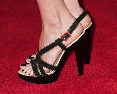 Labels: Mary Louise Parker Feet