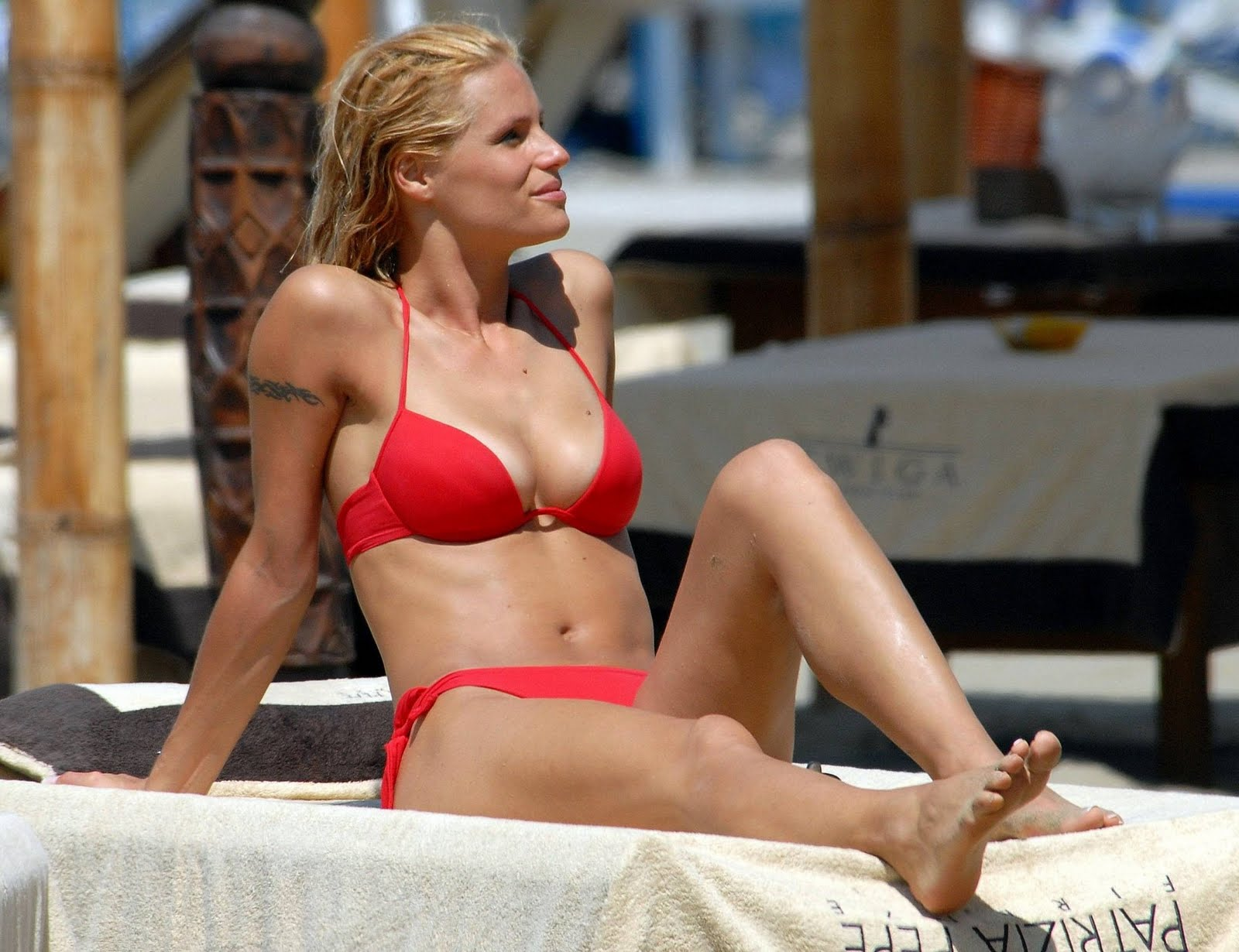 Feet Michelle Hunziker naked (86 foto and video), Pussy, Cleavage, Boobs, panties 2015