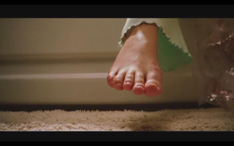 http://3.bp.blogspot.com/_UaLWp72nij4/TD-RN-pOxZI/AAAAAAAARa4/YCgm5JdmKLs/s1600/sarah-polley-feet-2.jpg