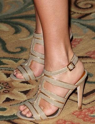 Thiessen feet tiffani Tiffani Thiessen