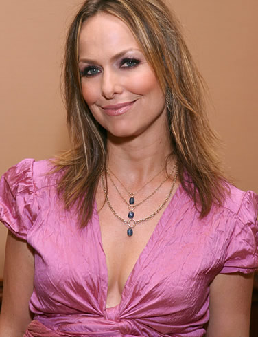 melora hardin ... is offering women 'widowed' by the game Diablo III a free sex toy if ...