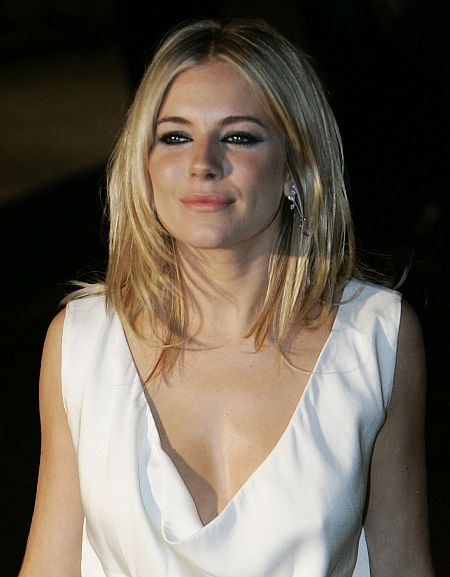 Sienna Miller Bra Size: 32B Sienna Miller is a lovely English actress,