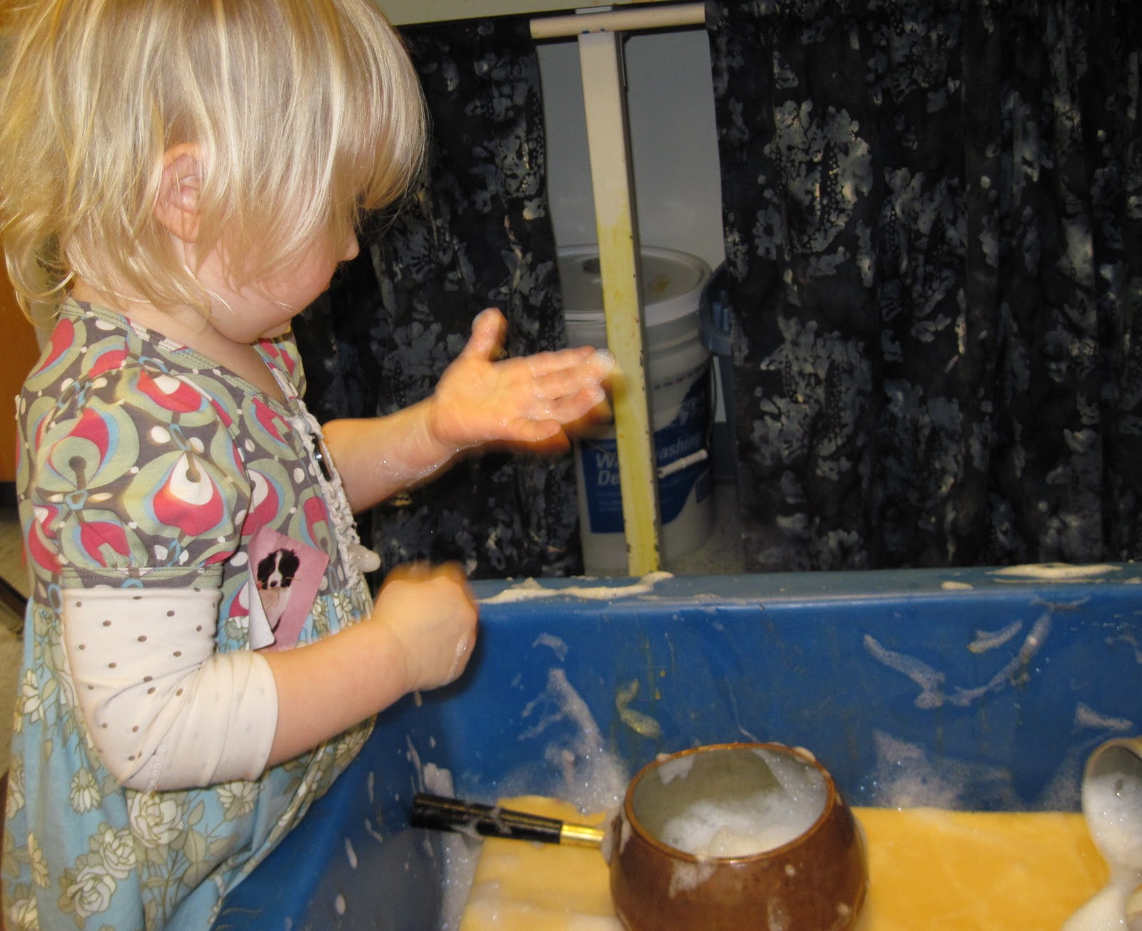 Sand And Water Tables Giant Sponge Huging When You Pour On Top Of The Where Does Go