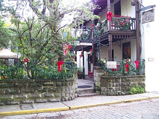 17TH ANNUAL HOLIDAY TOUR OF BED AND BREAKFAST INNS 3 Christmas%2B %2Blongview%2Bcourtyard%2Bwall%2Bgate St. Francis Inn St. Augustine Bed and Breakfast