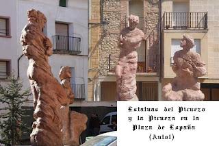 Las estatuas de los Picuezos en transformación en la Plaza de España de Autol