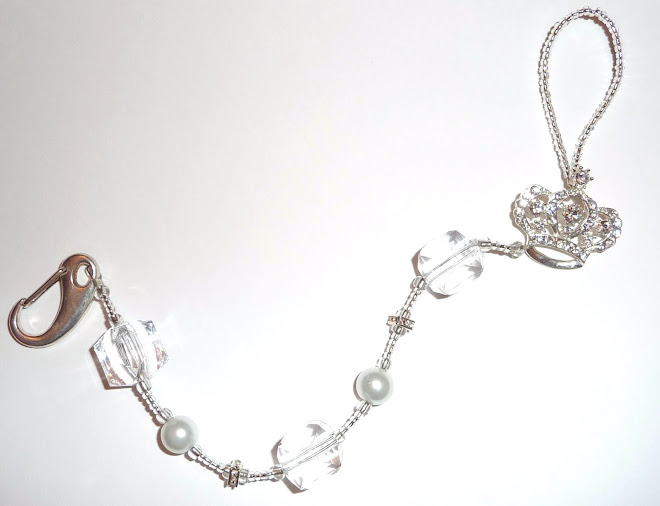 cRysTaL & HeaVeNLy wHiTe PeaRL DucHeSS cRoWN BiNKy cLiP