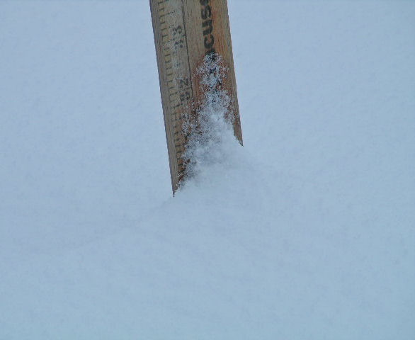 [30+inches+of+snow]