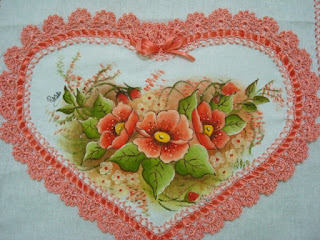 : قلوب من القماش بحواف من الكروشية cora%C3%A7%C3%A3o.JP