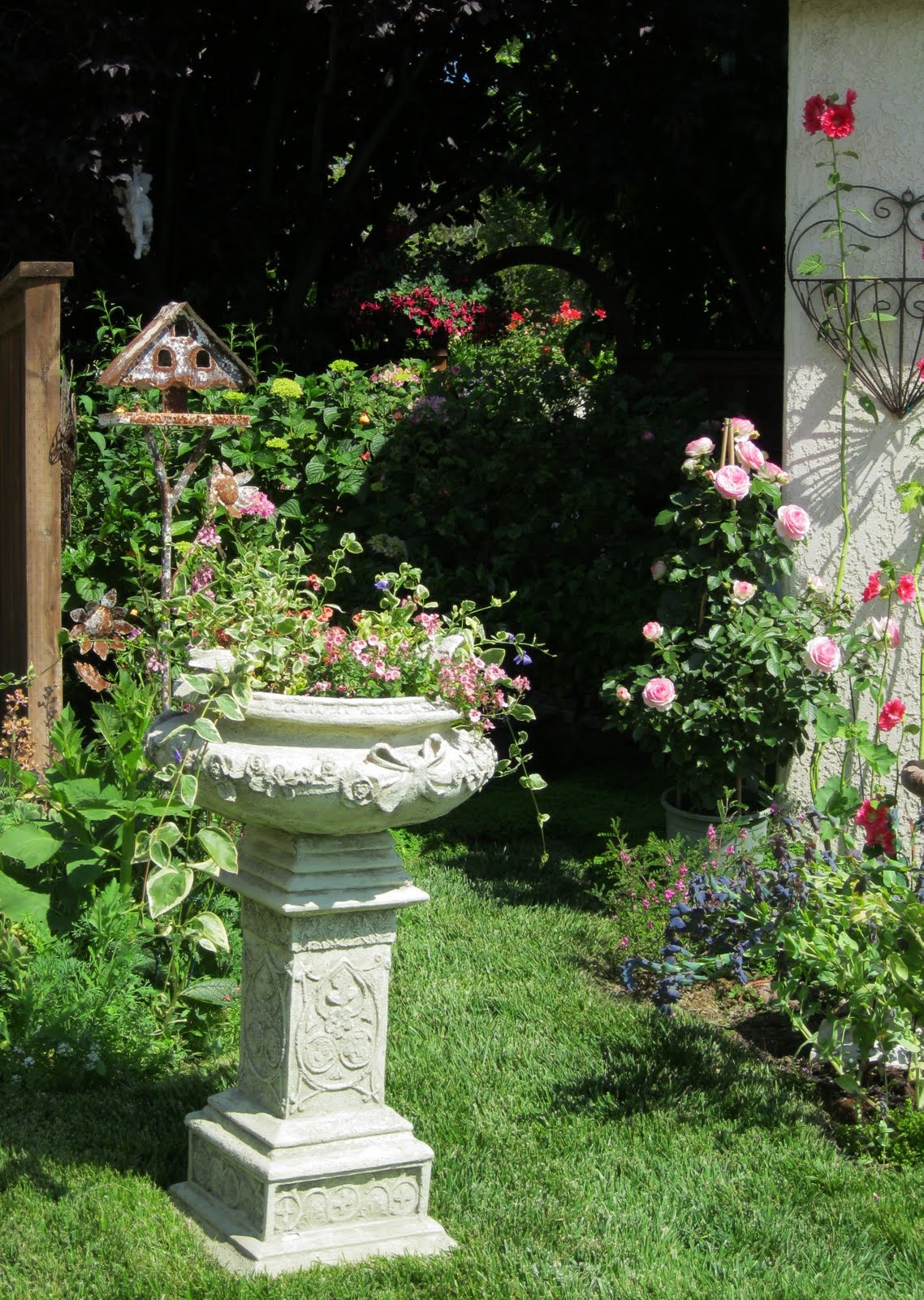 C b i d home decor and design gardening cottage garden shabby chic - Garden furniture shabby chic ...