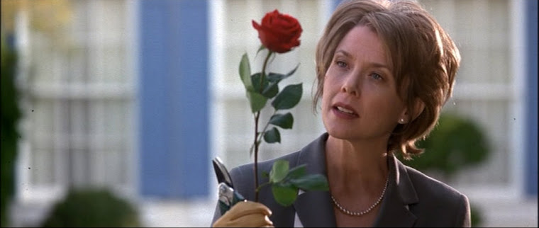 ANNETTE BENING in AMERICAN BEAUTY