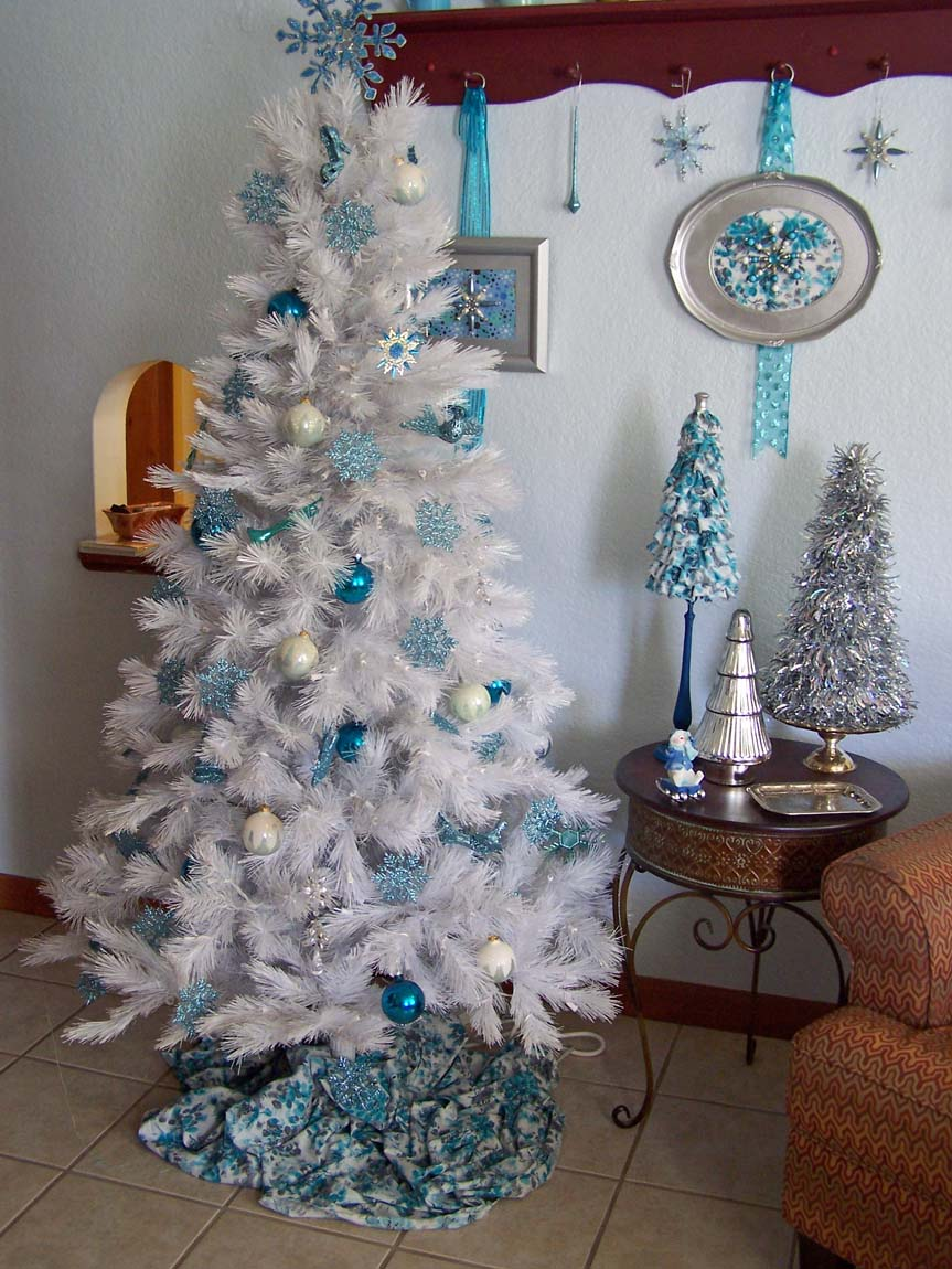 Treasures n textures our blue and white christmas - White and blue christmas tree ...