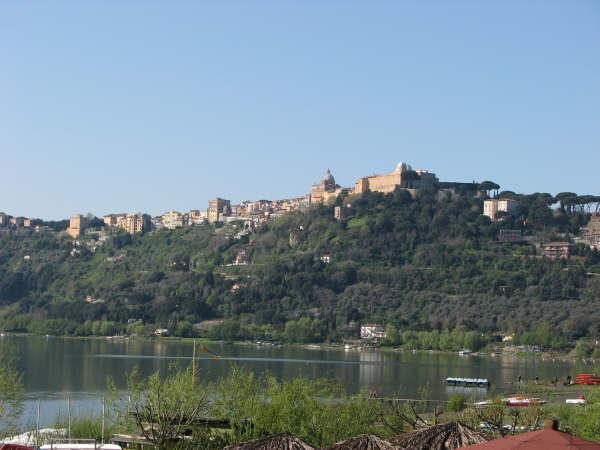 Castel Gandolfo dal lago