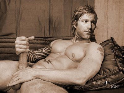Celebrity Hunks Nude Photo 18