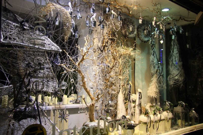 Christmas Window Dressing At Flower Design 2010