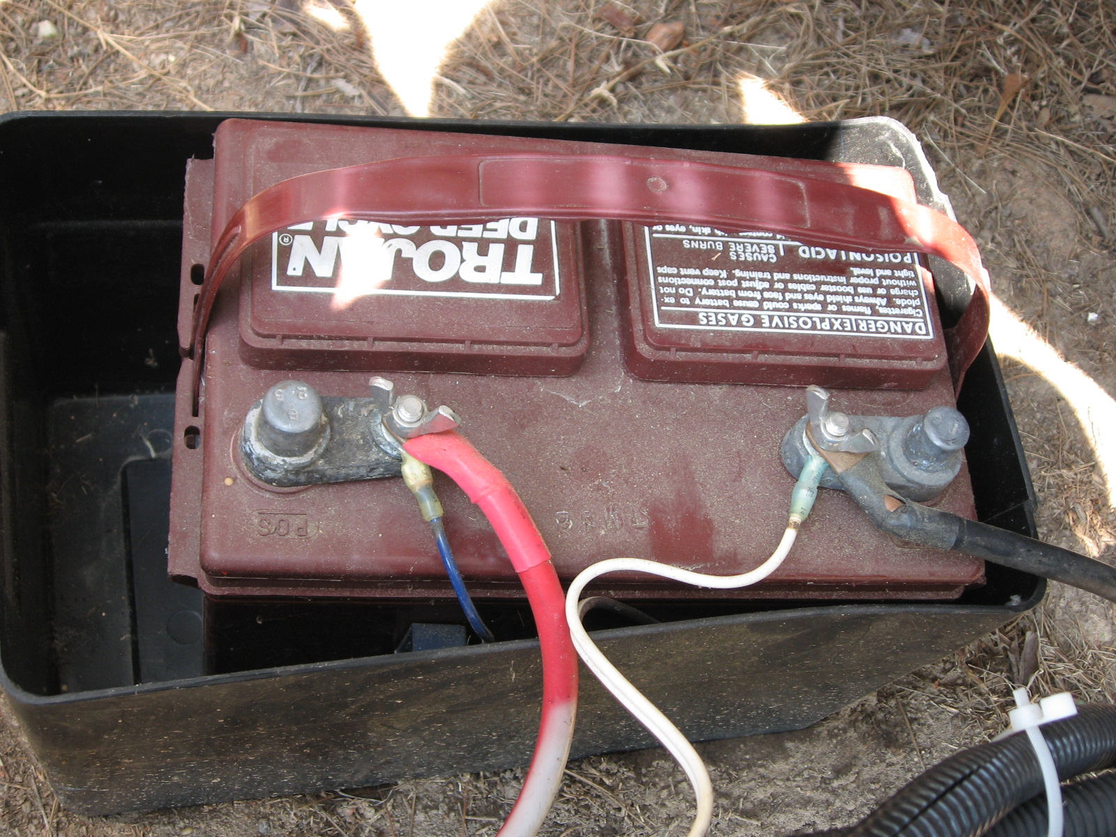 rv 2 battery hook up Pace arrow wiring and owners pictures (especially the battery hook-up) i am needing a wiring diagram for my 84 pace arrow or any other diagrams for this rv.