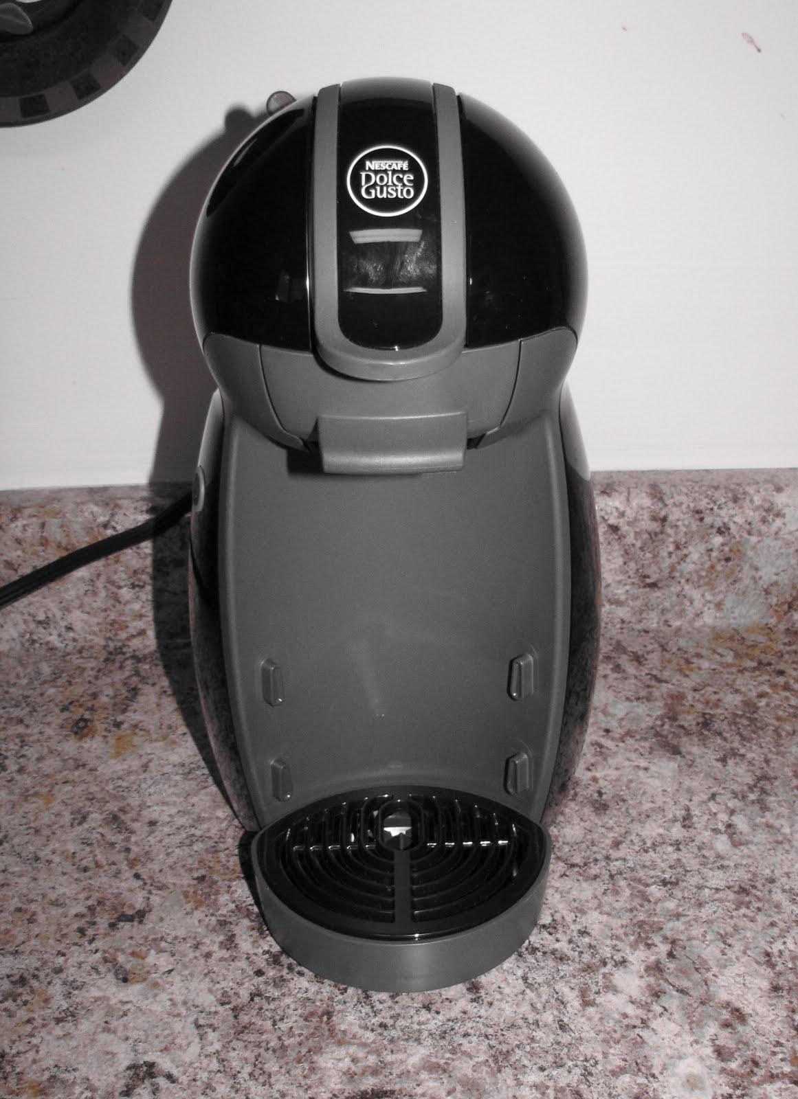 Nescafe K Cup Coffee Maker : NESCAFe Dolce Gusto Piccolo Coffee Maker
