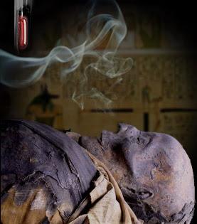 الزئبق الفرعوني و زيت الكاهن - يزعم الدجالون أنهم يحصلون عليه من مومياوات المقابر الفرعونية الملكية ويدعون بأن له خصائص سحرية تساعد في تجدد الشباب وتسخير الجن لاشتخراج الكنوز