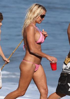Pamela Anderson in Loose Bikini Outfit
