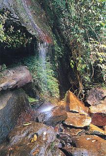 Tham Pra Waterfall