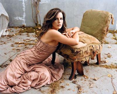 big size Kate Beckinsale Photo