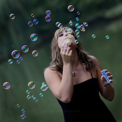 دختر حباب ساز
