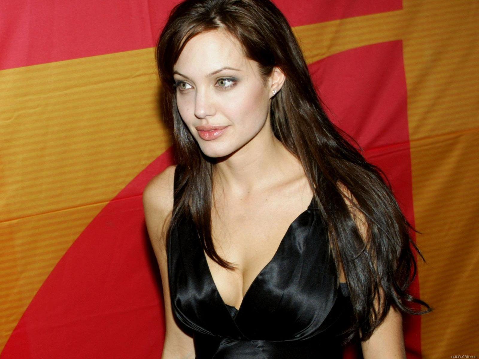 http://3.bp.blogspot.com/_UtNW1JfsC-M/TA6Y_OFWhgI/AAAAAAAAAxM/EkB65lrgvKE/s1600/Angelina_Jolie+Hot+Girls+Inn.jpg.jpg