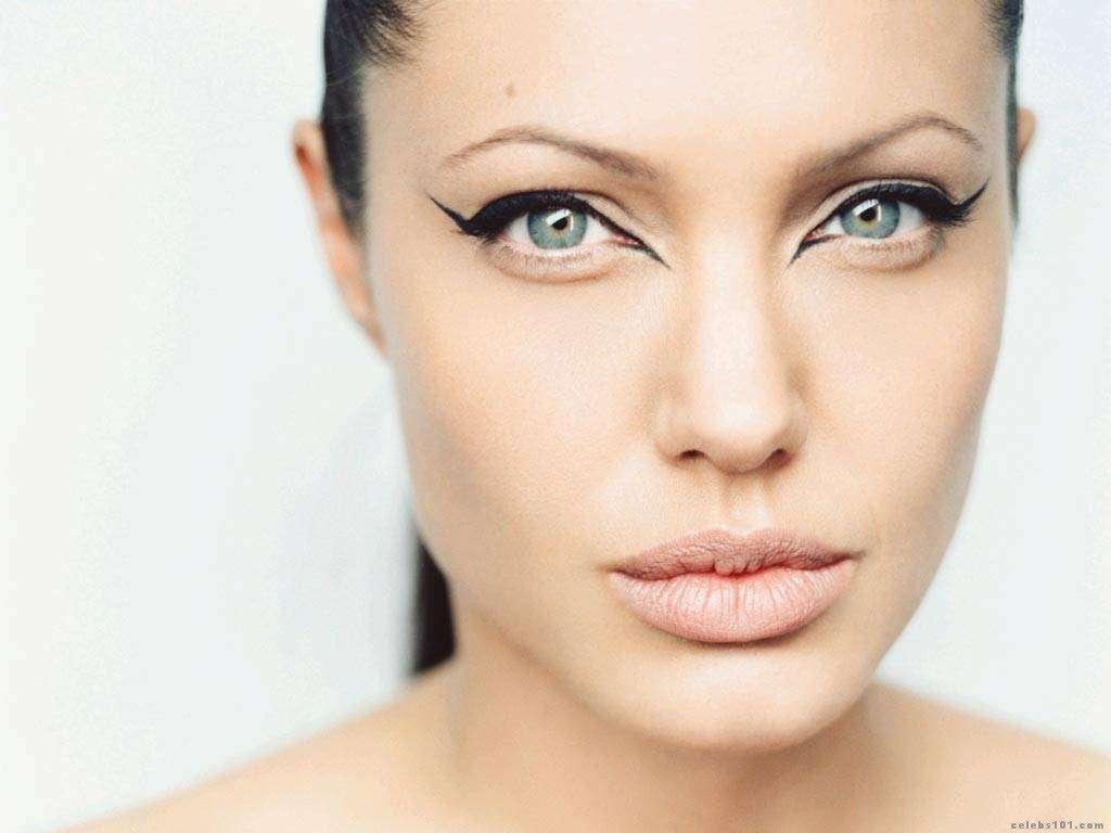 http://3.bp.blogspot.com/_UtNW1JfsC-M/TA6tchDMCrI/AAAAAAAAA7M/-hHxK0vlX74/s1600/Angelina+Jolie+Hot+Girls+Inn.jpg.jpg