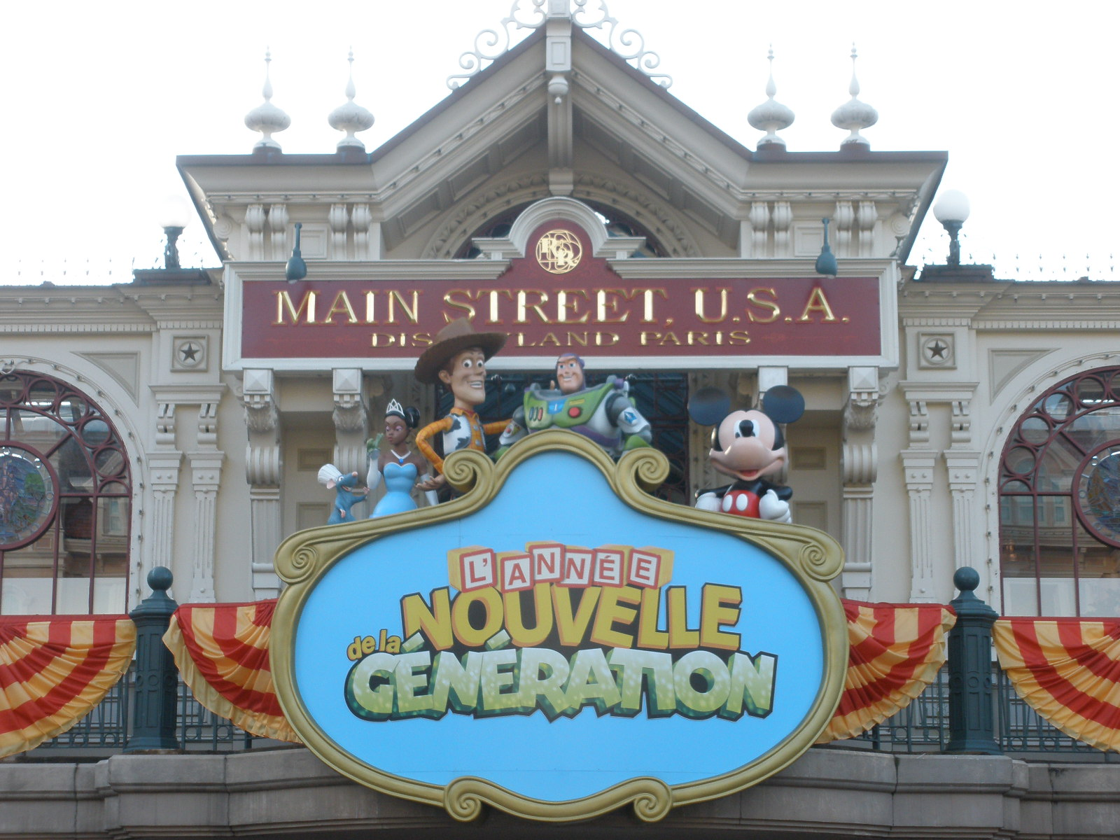 An American Monster Geek In London Disneyland Paris