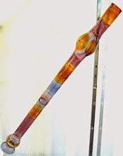 Spezielle künstlerische Arbeit ist ein Kunst-Glasdidgeridoo von Thomas-Müller-Litz/Lauscha