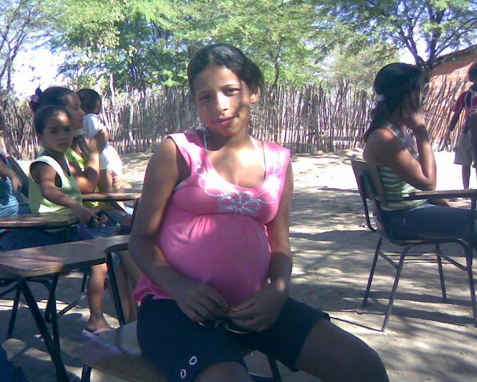 Mônica em breve será mamãe!