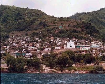 San Antonio Palopo Vista desde Lago