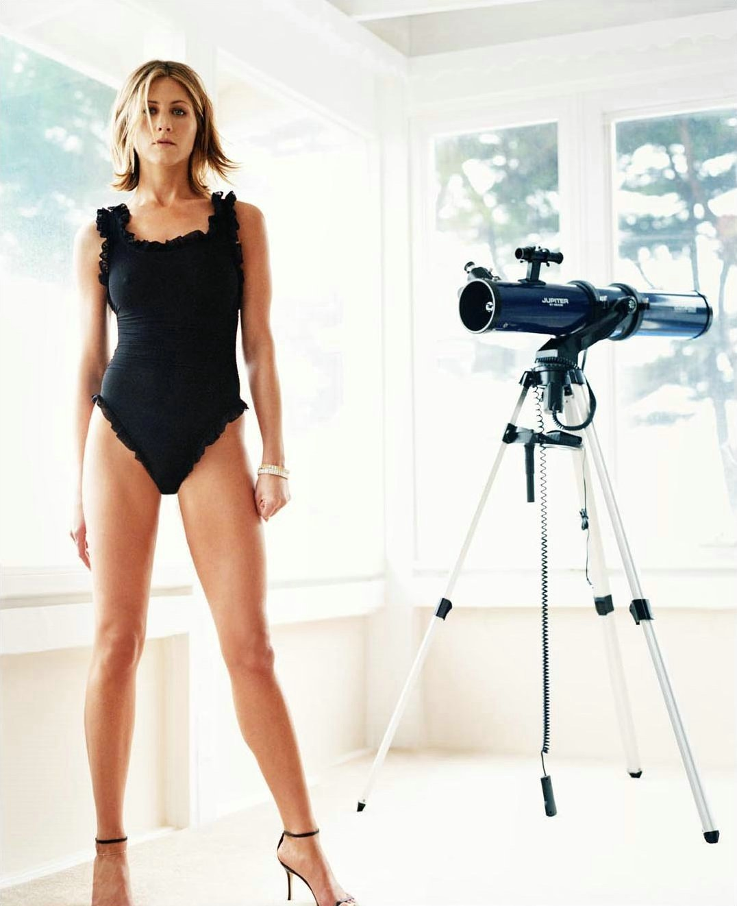 Images Of Daryl Hannah Legs