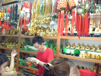 Best things to do in Binondo, Ongpin 8