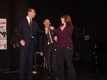CHIARA GUASTAVIGNA riceve l'AMBROGINO del COMUNE di MILANO dall'ASS. M. ORSATTI- Presidente GIURIA!