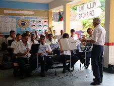 Banda visita a UMEI e toca Villa Lobos para os alunos, professores e demais funcionários!