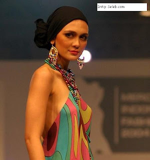 Luna Maya,Indonesian Beauty, Beautiful Indonesian Actress, 10 Most Beautiful Women in the Middle East,