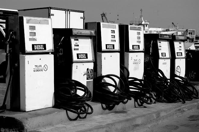 por favor, un poquito de diesel.