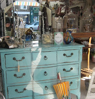 shabby Chic furniture by Flickr user AndyBob