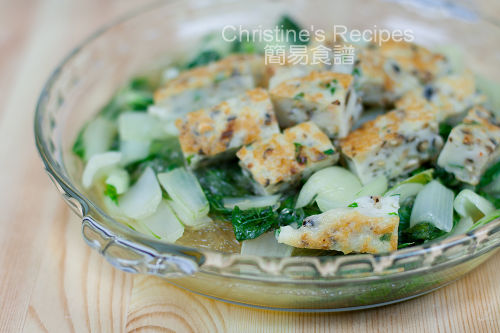 Fish Cakes with Stir-fried Bok Choy02