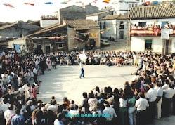 Baile de la bandera en Mieza de la Ribera